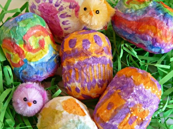Huevos de pascua pintados con acuarelas