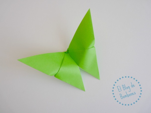 Mariposa de origami Paso 10