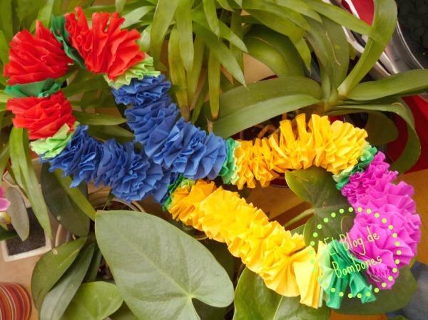 Collar hawaiano de papel pinocho