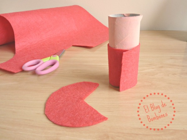 Vistiendo tubos de cartón